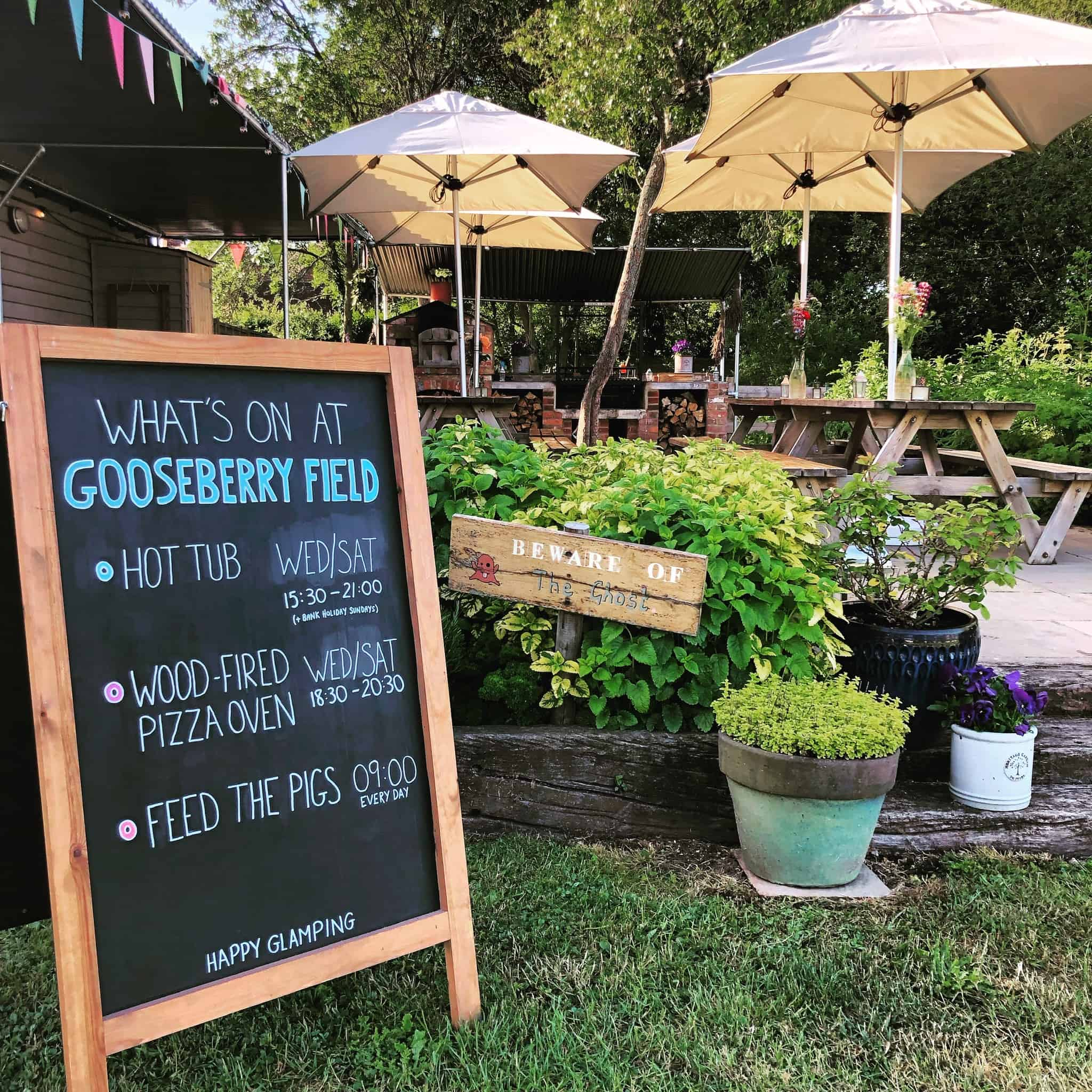 what's on sign at gooseberry glamping in kent